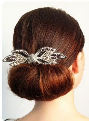 Making a Chic and Sober Hair Bun