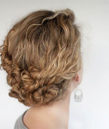 Give a Twist to Curly Hair