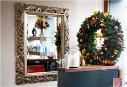 BLOG about fashion and hair: How to decorate my hairdressing for Christmas