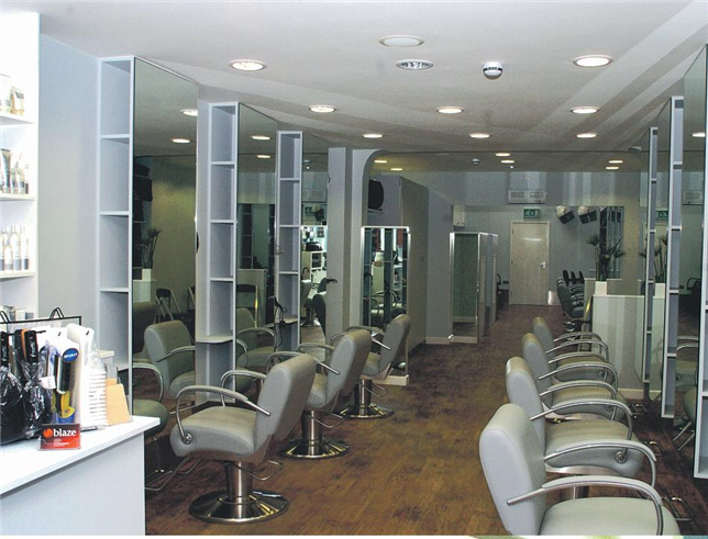 Hairdressing Job offer Apprentice Required