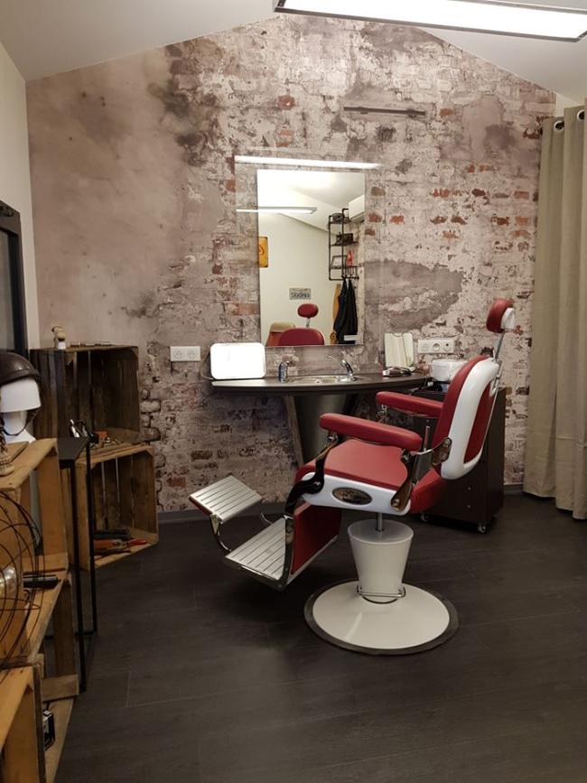 Hairdressing Job offer COIFFEUR(SE) / BARBIER