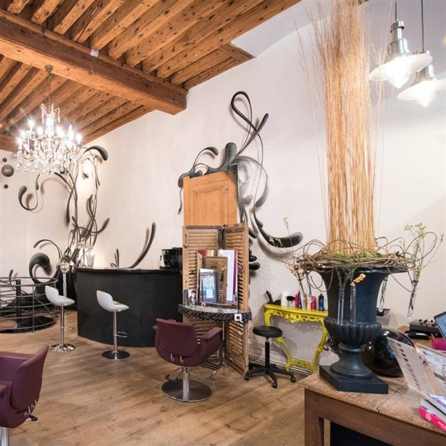 Hairdressing Job offer L'ATELIER COIFFEUR DESIGNER à LYON recherche ses futurs collaborateurs...