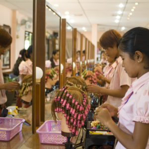 Hairdressing Job offer Professeur de Coiffure H/F au Cambodge