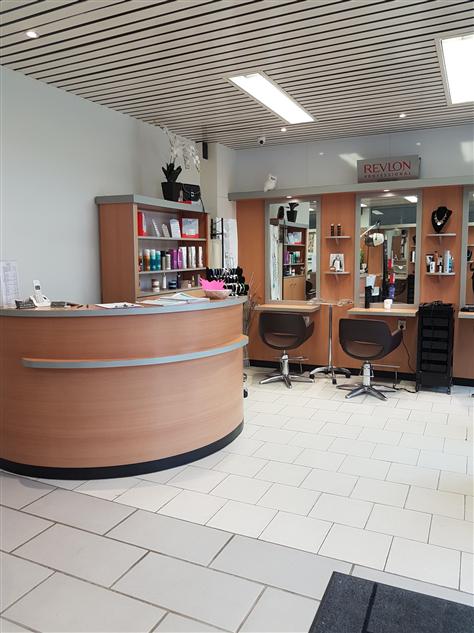 Hairdressing Job offer Recherche coiffeur/se ou apprentie BP