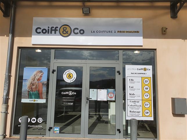 Offre d'emploi coiffure Recherche 2 coiffeurs/ses