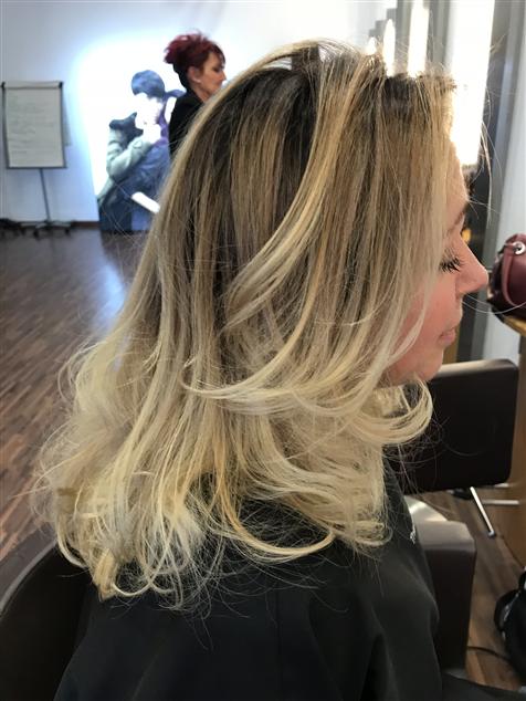 Blond nacré , blonde beige ,blond froid