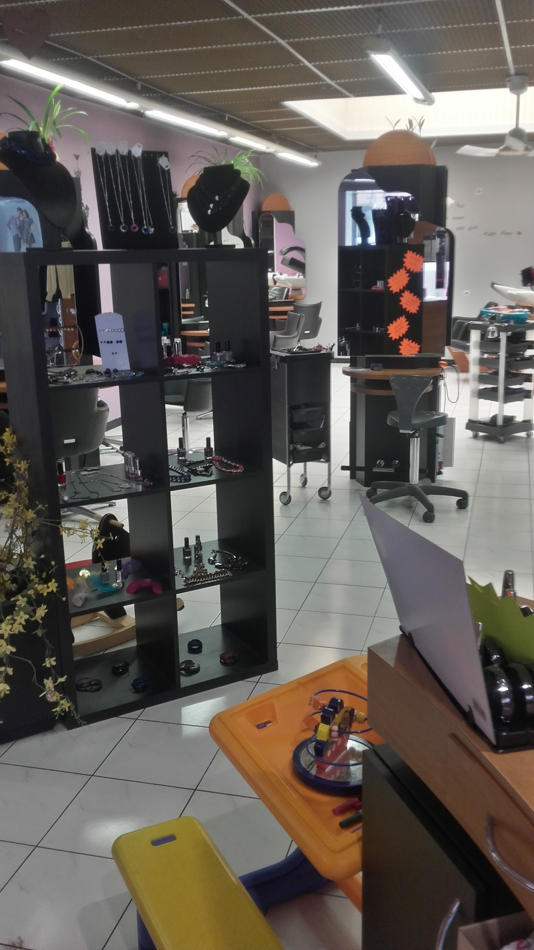 Salons de coiffure coiffure c style - Meilleur salon de coiffure bruxelles ...